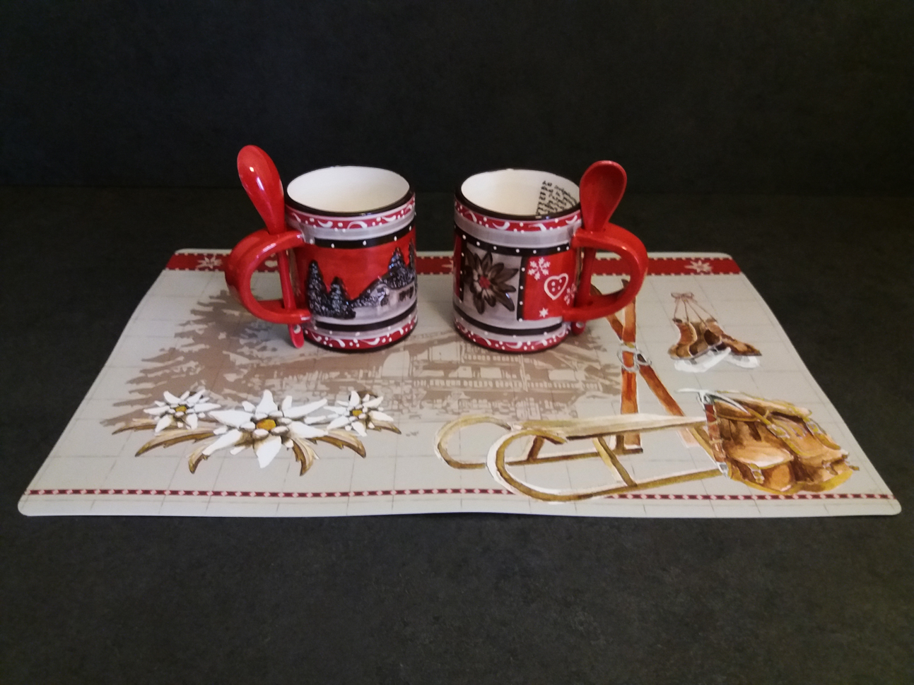 Zoom set mug relief set table